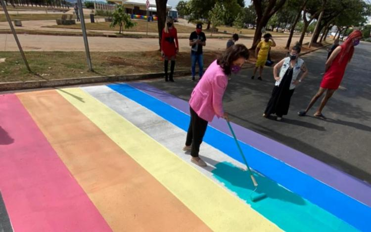 Cores foram aplicadas como parte da celebração do Dia Internacional Contra a LGBTFobia I Foto: Reprodução I Prefeitura de Goiânia - Foto: Reprodução I Prefeitura de Goiânia