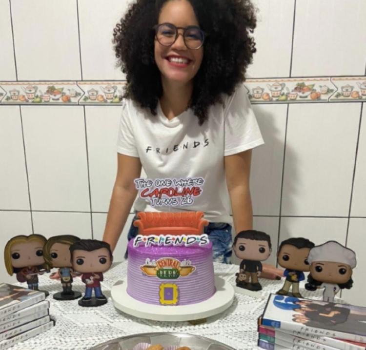 Caroline ganhou uma festa de aniversário com o tema Friends   Foto: Reprodução   Arquivo Pessoal