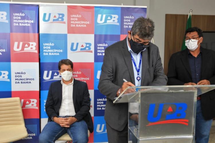 A assinatura do termo foi realizada na sede da UPB que fica localizada no CAB, em Salvador | Foto: Carol Garcia | GOV-BA - Foto: Carol Garcia | GOV-BA