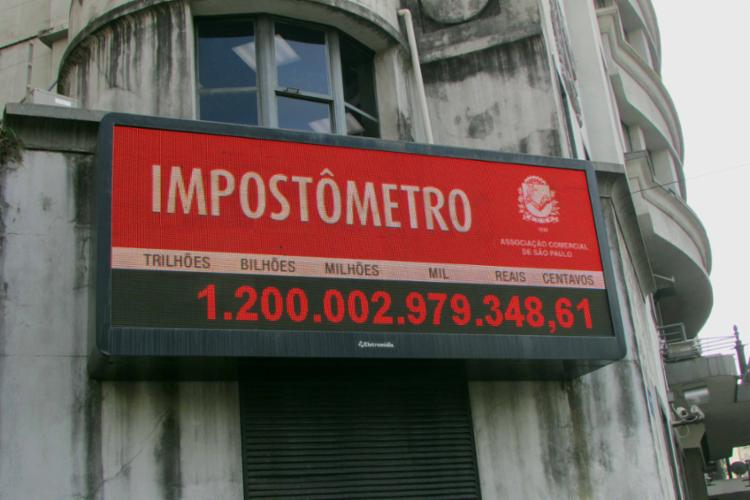 Brasileiros pagam cada vez mais impostos - Foto: Divulgação
