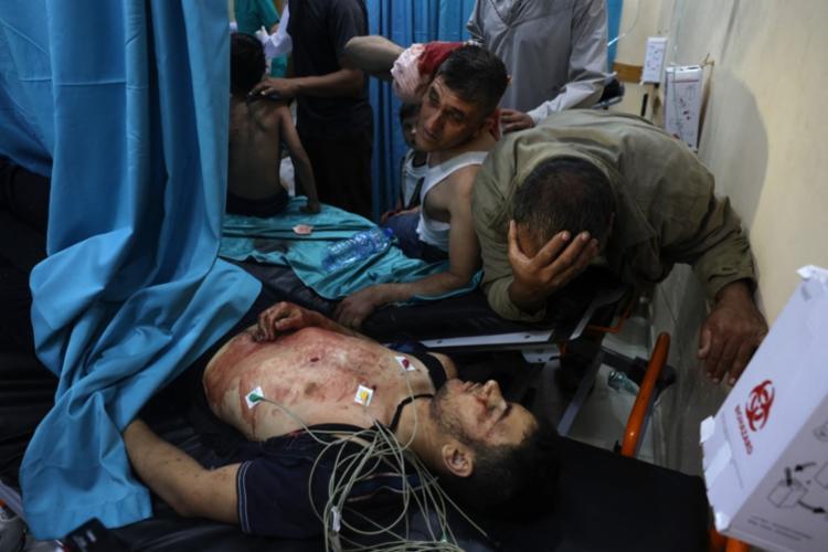 Pelo menos nove pessoas, incluindo três crianças e um comandante do Hamas, foram mortas em bombardeios israelenses - Foto: Mohammed Abed | AFP