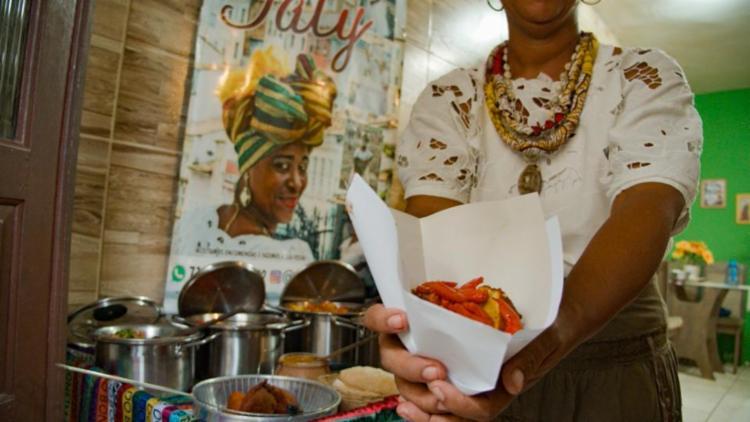 'Iê acarajé' apresenta o trabalho das baianas sob diferentes perspectivas - Foto: Divulgação