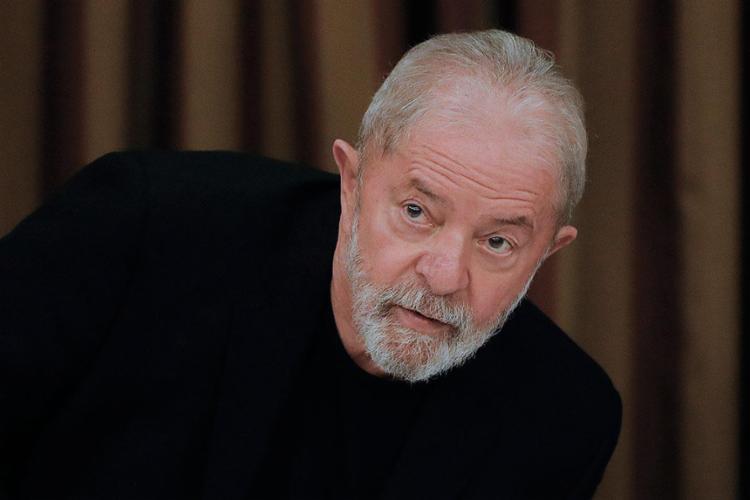 Lula virou réu do caso em 2017 sob acusação de corrupção passiva por supostamente ter aceito uma vantagem indevida de R$ 6 milhões enquanto ainda era presidente - Foto: Sergio Lima | AFP