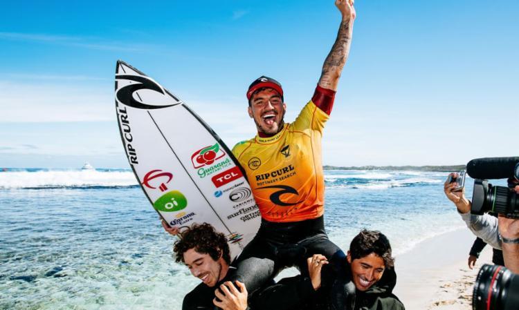 É o 2º título do brasileiro que chegou a quatro finais em cinco etapas | Foto: Matt Dumber | World Surf League - Foto: Matt Dumber | World Surf League