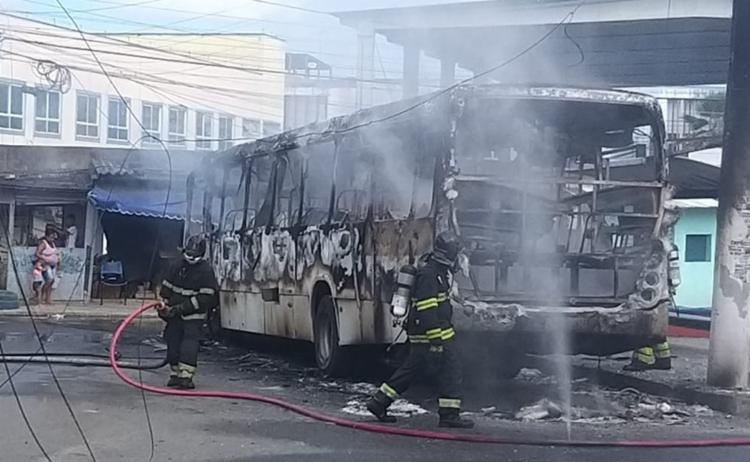 O Corpo de Bombeiros afirmou que as chamas já foram controladas e não houve registro de feridos   Foto: Reprodução   Redes Sociais - Foto: Reprodução   Redes Sociais
