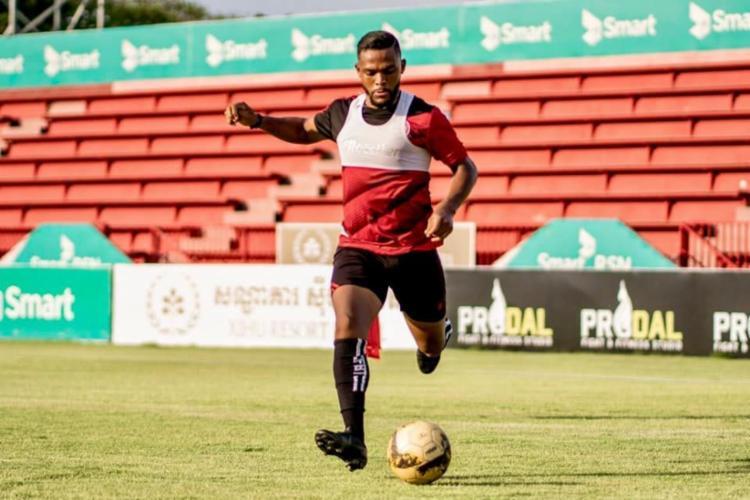 Paulo Victor veio do futebol do Comboja para atuar no Vitória Foto: Phnom Penh Crown FC - Foto: Foto: Phnom Penh Crown FC