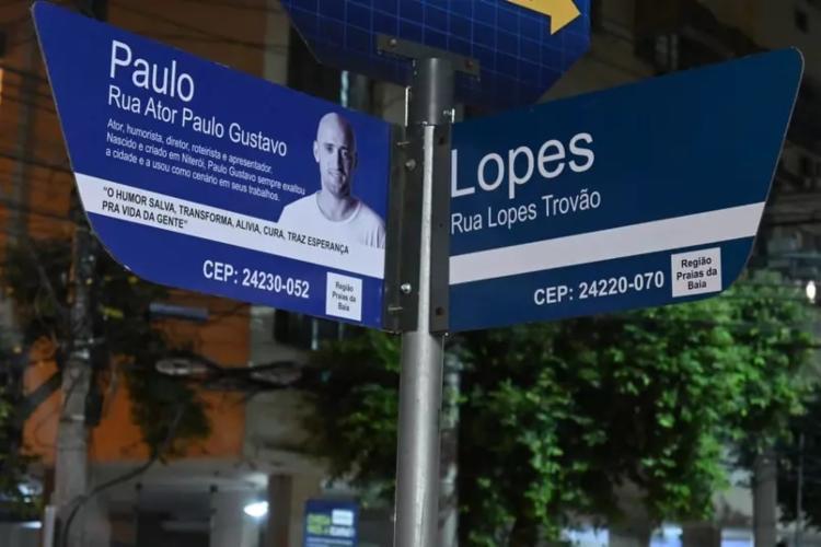 Placas foram instaladas em homenagem ao ator e humorista   Foto: Divulgação   Prefeitura de Niterói - Foto: Divulgação   Prefeitura de Niterói