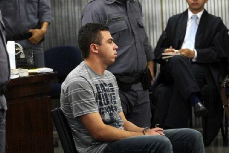 Ele cumpre pena de 39 anos, 3 meses e 10 dias de reclusão pelo homicídio qualificado da ex-namorada, em 2008 - Foto: Reprodução