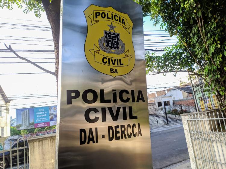 Mulher será encaminahda para audiência de custódia   Foto: Haeckel Dias   Ascom-PC-BA - Foto: Haeckel Dias   Ascom-PC-BA
