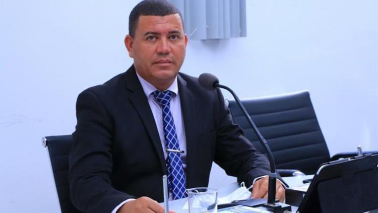Toinzinho (PCdoB) está no seu segundo mandato e de acordo com informações da polícia, foi socorrido às pressas para um hospital da cidade; O estado de saúde não foi divulgado - Foto: Divulgação