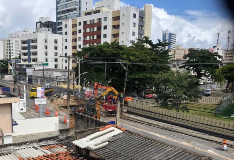 Interdição acontece no trecho entre a rua Território de Guaporé e a Panificadora Super Pão I Foto: Cidadão Repórter | via Whatsapp - Foto: Cidadão Repórter | via Whatsapp