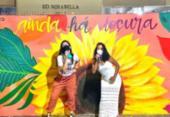 Artista plástica produz mural em homenagem ao Dia dos Namorados | Foto: Divulgação