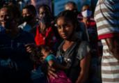 Protesto após suspensão de vacina; confira as imagens | Felipe Iruatã | Ag A Tarde