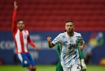 Argentina vence Paraguai por 1 a 0 e se mantém líder de grupo | Evaristo Sa | AFP