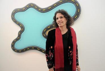 Exposição da artista Leda Catunda reúne peças inéditas e está em cartaz na Paulo Darzé Galeria | Divulgação