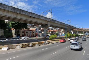 Motorista fica ferido após carro capotar na avenida Bonocô | Reprodução | Google Street View