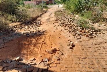 Brumado: Rua Princesa Isabel convive com pavimentação danificada