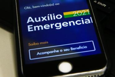 Caixa paga 3ª parcela do auxílio para nascidos em fevereiro e março | Marcello Casal Jr | Agência Brasil
