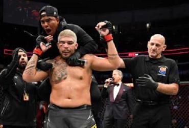 Carlos Boi vence terceira seguida; Deiveson perde cinturão dos moscas | Reprodução | UFC