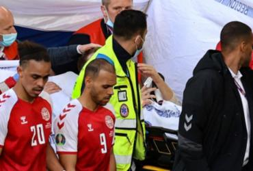 Dinamarca e Finlândia voltam a jogar após desmaio de jogador | Wolfgang Rattay | AFP | POOL