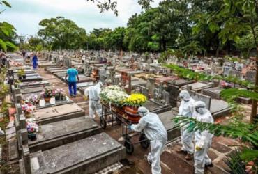Brasil: mortes por Covid-19 somam 487,4 mil e casos chegam a 17,4 milhões | Silvio Ávila | AFP