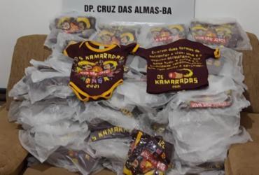 Polícia apreende camisas de festa junina que iria ocorrer em Cruz das Almas