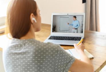 Cursos on-line: conheça as instituições brasileiras que disponibilizam especializações gratuitamente