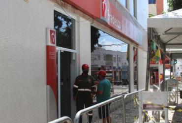 Bancos são autuados por descumprir decreto municipal relacionado à Covid-19 | Achei Sudoeste/João Roberto