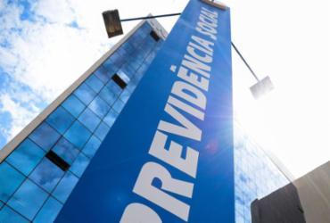INSS inicia pagamento de segunda parcela do 13º salário a aposentados | Marcello Casal Jr | Agência Brasil