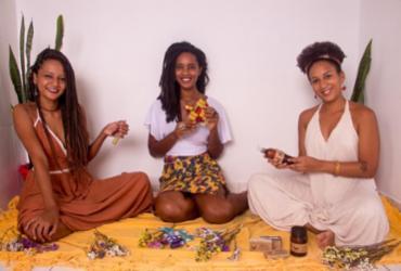 Laura Daltro, Júlia Morais e Alana Santana, criadoras do projeto Akuaba, que promove encontro de gerações Foto: Jefferson Dias   Divulgação - Jefferson Dias   Divulgação