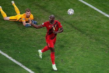 Bélgica derrota Finlândia e vai às oitavas como líder do Grupo B da Eurocopa |