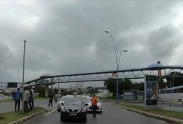 Motoristas de aplicativo fazem manifestação e cobram prioridade na vacina | Reprodução | TV Bahia