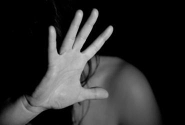 Suspeito de estuprar enteada é preso em Ruy Barbosa; vítima está grávida