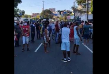 Suspensão na vacina provoca protesto na avenida Centenário | Reprodução | Felipe Iruatã | Ag. A TARDE