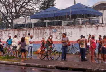 Prefeitura de Salvador inicia vacinação de pessoas com 36 anos | Olga Leiria | Ag. A Tarde