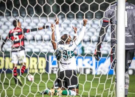 Vitória não segura Coritiba e perde a primeira sob o comando de Ramon Menezes | Reprodução | Twitter | @Coritiba