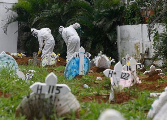 Com números em alta, Brasil se aproxima das 500 mil mortes por Covid-19 | Rafael Martins | Ag: A TARDE | 22.4.2020