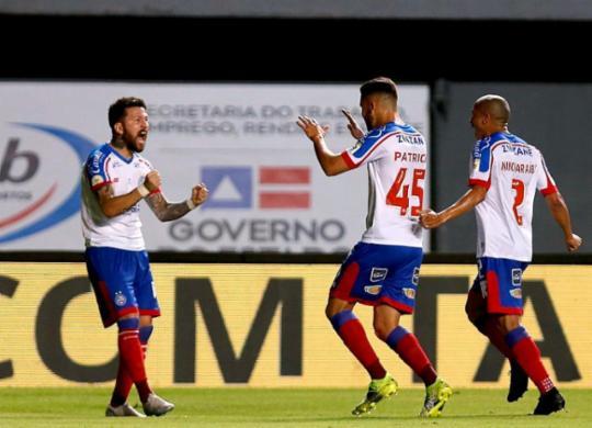 Bahia derruba invencibilidade do Athletico-PR e entra no G-4 | Felipe Oliveira | EC Bahia