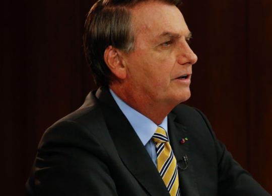 Bolsonaro prevê novas parcelas de auxílio emergencial e aumento no Bolsa Família   Anderson Riedel   PR