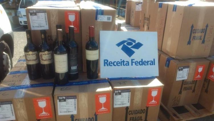 Material irregular foi encontrado em caixas   Foto: Divulgação   Receita Federal - Foto: Divulgação   Receita Federal
