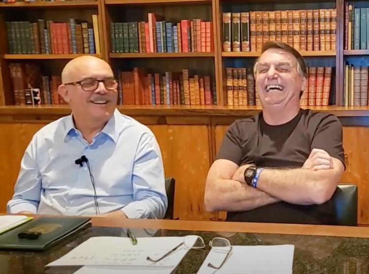 Bolsonaro falou, em transmissão ao vivo nas redes sociais nesta quinta-feira, 3, sobre as punições internas das Forças Armadas. - Foto: Reprodução