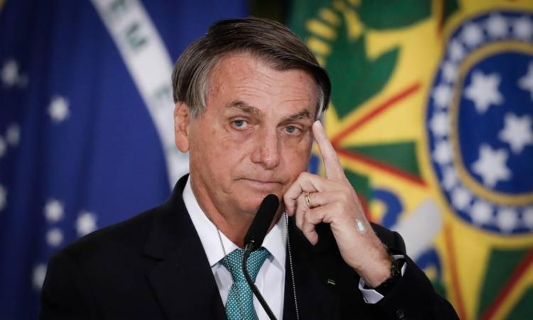 Bolsonaro entrou na aeronave, retirou a máscara e provocou aglomerações | Foto: Reprodução | The Economist - Foto: Reprodução | The Economist
