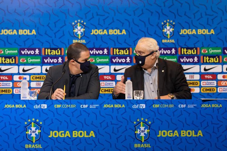 O técnico André Jardine e o tetracampeão Branco | Foto: Thais Magalhães | CBF - Foto: Thais Magalhães | CBF
