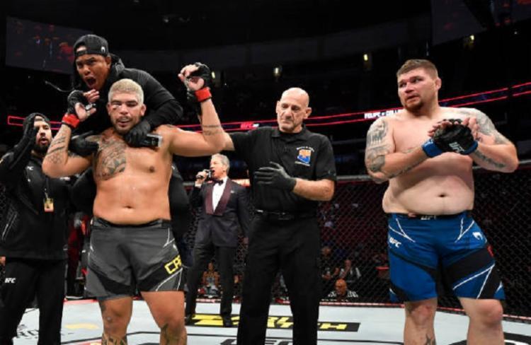 O brasileiro venceu por decisão dividida após os três rounds   Foto: Reprodução   UFC - Foto: Reprodução   UFC