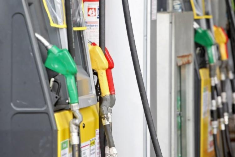 Atualmente, a Bahia ocupa o 14° lugar no percentual da carga tributária cobrada sobre o valor da gasolina   Foto: Divulgação - Foto: Divulgação