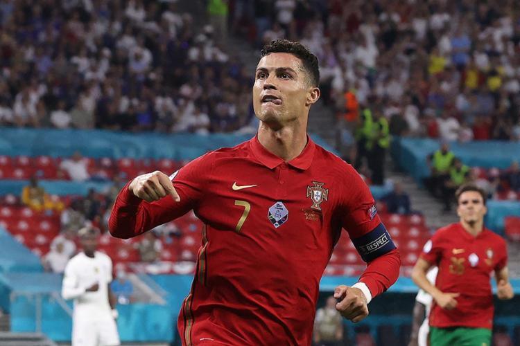 CR7 marcou duas vezes e alcançou a histórica marca de 109 gols por Portugal   Foto: Bernadett Szabo   AFP - Foto: Bernadett Szabo   AFP