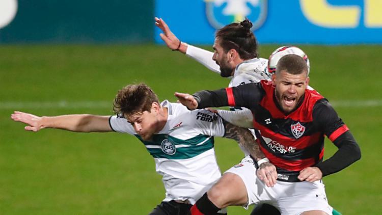 O Leão chegou a dominar a partida em alguns momentos, mas esbarrou na defesa paranaense | Foto: Chiara Neiva | EC Vitória - Foto: Chiara Neiva | EC Vitória
