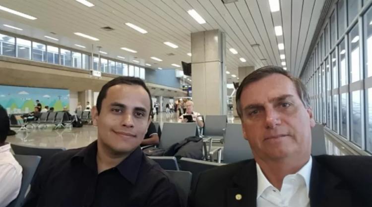 Tércio Thomaz, apontado como líder do grupo e o presidente Jair Bolsonaro   Foto: Reprodução   Facebook   Tercio Arnaud Tomaz - Foto: Reprodução   Facebook   Tercio Arnaud Tomaz