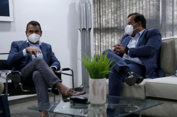 Júnior Borges (esquerda) e Geraldo Jr. em visita à sede do Grupo A TARDE - Foto: Uendel Galter   Ag. A TARDE