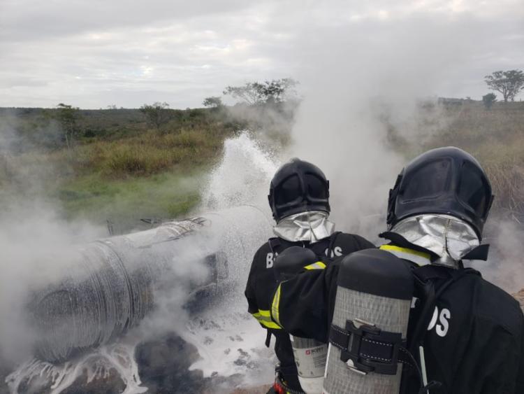 acidente aconteceu na BR-242, km 276, próximo à entrada de Lajedinho | Foto: Divulgação | CBMBA